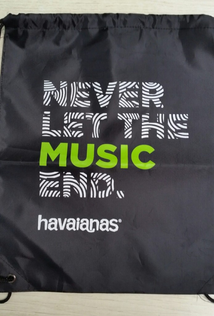 The perfect give Havaianas Drawstring bag